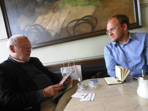 John O'Brien with his interviewer David Vichnar, at the Slavia Café, 24 September 2012