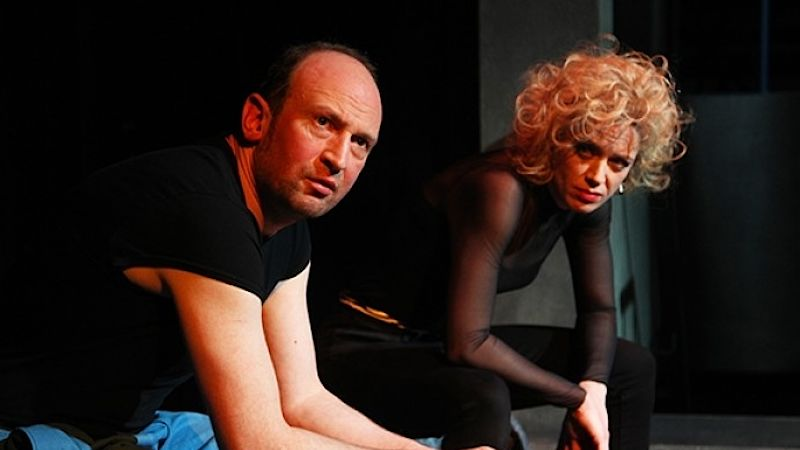 Alexander Swoboda jako Vandam. Foto: Theaterbremen