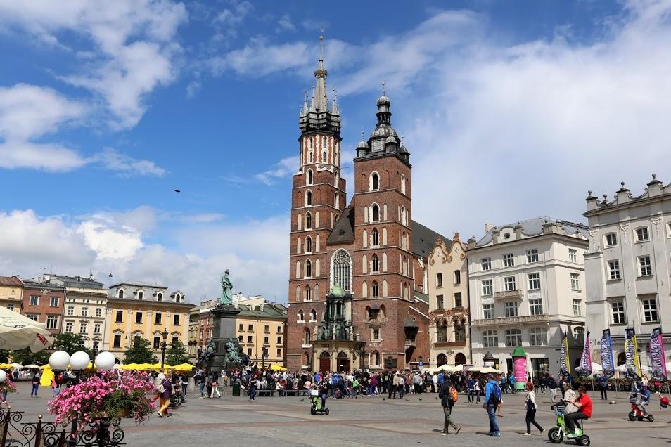 Mariánská bazilika na Rynku. Foto: Thaler Tamas, Wikipedia